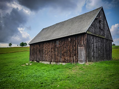 a wonderful old wooden barn (Peters HDR hobby pictures) Tags: petershdrstudio hdr old woodbarn sky greengras tree alt holzscheune alteholzscheune himmel gras grün erzgebirge
