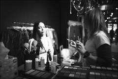 make it up! (Marco Buccelli) Tags: makeitup theatricalscene makeupsession modeling leicaq2 onthego indoorsphotography summilux availablelight lightfromartificialsource tungsten
