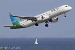 OE-LCN Airbus A321 Level Barcelona airport LEBL 11.08-19 (rjonsen) Tags: plane airplane aircraft aviation airliner flying takeoff sea sail boat flight