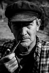 Dad (Marcosbamala) Tags: canbarnic papa retrato dad photo photography picture pic photograph montseny arbucies portrait retrat monochrome monocromo black white blanco blanc negro negre pipa smoke smoking fumando fumar pipe gorra canon catalunya catalonia eos eos77d 1855mm shoot shooting disparo