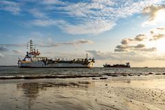 Westerschelde (Omroep Zeeland) Tags: sleephopperzuiger amazone baggerschip westerschelde kruiningen kanaal door zuid beveland wolkenlucht dutch dredging baggerbedrijf
