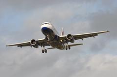 'BA975H' (BA0975) HAM-LHR (A380spotter) Tags: approach landing arrival finals shortfinals threshold belly airbus a319 100 geupw toflytoserve emblem achievement crest coatofarms internationalconsolidatedairlinesgroupsa iag britishairways baw ba ba975h ba0975 hamlhr runway27l 27l london heathrow egll lhr