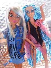 👭Elas... (FranBoy Monteiro) Tags: doll dolls toy toys boneco bonecos boneca bonecas cute pretty beauty love amor fashion fashionista fashionistas moda outfit clothes look model models gay gayguy guy boy fun diversão cool handsome awesome barbie ken livdoll livdolls liv glow brilho princess