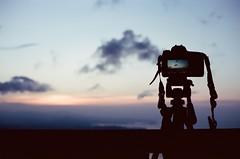 Waiting for sunset. (蒼白的路易斯) Tags: sunset 金瓜石 九份 kodakvision350d yashicaelectro35gsn 底片攝影 底片