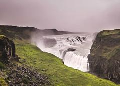 Big shower (Zoom58.9) Tags: fog waterfall water rocks grasses people landscape nature outside europe iceland gullfoss nebel wasserfall wasser felsen gräser green grün menschen landschaft natur draussen europa island sony
