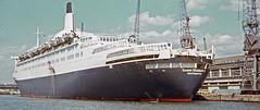QE2 at Southampton Ocean Terminal : 1970's (Brit 70013 fan) Tags: qe2 queenelizabeth2 cunard oceanliner southampton oceanterminal 1970s cruise ship harbour tour transatlanticliner