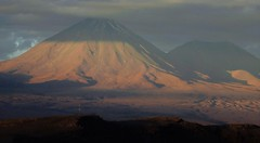 Alpenglow on Licancabur, the sacred volcano of the Andes (Ruby 2417) Tags: alpenglow sunset evening light cloud andes mountain mountains atacama scenery landscape nature