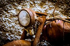 La vieja Guzzi (Ricardo Pallejá) Tags: old óxido oxide monocromo monocromático viejo moto nikon d500 decay abandono antiguo abandoned lost urban urbana urbanexploration urbandecay urbanphotography guzzi urbex