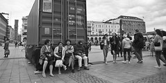 (Altgott) Tags: film nikon f3 nikonf3 filmisnotdead analog analogue street streetphotography blackandwhite ilford hp5 ilfordhp5 hc110 24mm wideangle wide angle