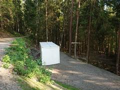 Romsåsen Toaletter WC (mtbboy1993) Tags: container wc toilets toaletter romsåsen askim indreøstfold østfold norge norway forest skog grus gravel sign trees sonycameraapp restrooms
