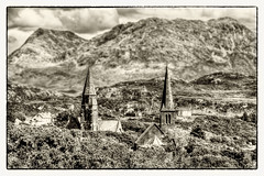 Clifden IR - Churches 03 (Daniel Mennerich) Tags: clifden ireland eire countygalway canon dslr eos hdr hdri spiegelreflexkamera slr monochrom monochrome monochromephotography irland éire irlande ирландия irlanda