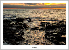 Farne Isles at Dawn (flatfoot471) Tags: 2008 normal england unitedkingdom holiday northumberland august bamburgh beach coast northsea farneislands summer castle sunrise dawn