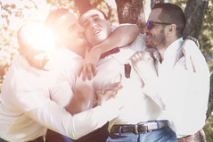_IGP6995 (Alex Strekal) Tags: friends life guys yellow moscow kolomenskoye smile walk park wedding report lights sunny pentax k20d москва lens flare lightning коломенское парк свадьба прогулка друзья солнце свет май may friendship дружба любовь love lovers happy happiness счастье щастие