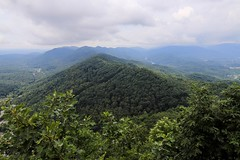 view of two states (Yuki (8-ballmabelleamie)) Tags: cumberlandgapnationalhistoricpark view observation mountains peaks ridges countryside hiking trip travel summer cloudy clouds scenery appalachianmountains basin inland landscape