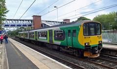 UK class 150 (onewayticket) Tags: diesel railway trains transport northern arriva arn arrivarailnorth dmu sprinter