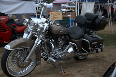 Road King (Scott 97006) Tags: motorcycle harley bike chrome leather ride