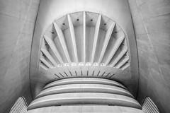 \\\I/// (Blende1.8) Tags: calatrava santiagocalatrava valencia modern modernarchitecture concrete beton symmetry symmetrie wideangle wide sel1224g 1224mm 12mm indoors indoor inside lines linien sony alpha ilce7rm2 a7rii a7rm2 abstract futuristisch futuristischearchitektur futuristic europe