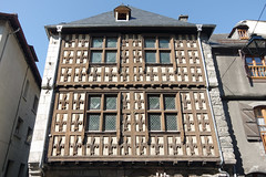 Arreau (Hautes-Pyrénées) : la maison des Lys (bernarddelefosse) Tags: arreau hautespyrénées occitanie maisondeslys