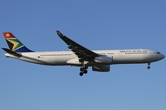 Springbok Sunshine... (Ben Cavers) Tags: southafricanairways airbusa330343e airbusa330343 airbusa330300 airbusa330 airbus a330343e a330343 a330300 a330 southafricanairwaysairbusa330 southafricanairwaysa330 zssxi londonheathrowairport londonheathrow heathrowairport heathrow lhr egll widebodyjet passengerjet jetliner jet commercialairliner commercialaviation airplane airliner aircraft aviation plane