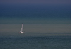 evanescence (luporosso) Tags: natura nature naturaleza naturalmente nikon nikonitalia nikond500 marche mare sea barca sailboat barcaavela minimal minimalismo minimalism abigfave