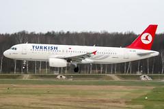 TC-JPE (PlanePixNase) Tags: aircraft airport planespotting haj eddv hannover langenhagen turkish turkishairlines airbus 320 a320