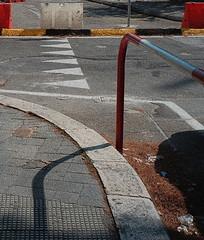 Bari, Puglia, 2019 (biotar58) Tags: bari puglia italia apulia italy apulien italien southernitaly southitaly streetphotography urbansummer stradadicittà street russar20mm56 russar