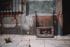Guate Mao (dogslobber) Tags: green portugal porto europe travel adventure explore guate mao street art stencil