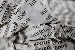 Macro Mondays - Printed Word (benno.dierauer) Tags: printedword macrounlimited macro macromondays zeitung newspaper worte word canoneosr tamronsp90mmf28dimacro11vcusd makro blackandwhite schwarzweiss
