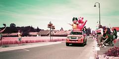 Tour de France (stéphanehébert) Tags: yashica t5 lomography tour france isuzu caravane publicitaire sarry marne