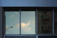 DSCF4974 (Mike Pechyonkin) Tags: 2019 moscow москва sky небо cloud облако house дом window окно wall стена streetlight фонарь balcony балкон
