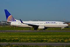 N76523 (United Airlines) (Steelhead 2010) Tags: unitedairlines boeing b737 b737800 yyz nreg n76523
