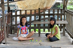 girls at play (the foreign photographer - ฝรั่งถ่) Tags: two girls children playing shelter wooden khlong lard phrao portraits bangkhen bangkok thailand nikon d3200