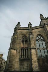 Paper Doves (Ian David Blüm) Tags: edinburgh scotland paper doves installation art fringe festival 2018 church windows architecture