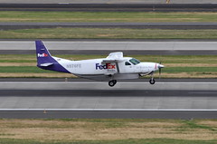 Federal Express (FedEx Feeder) (Empire Airlines) - Cessna 208B Super Cargomaster (Grand Caravan) - N976FE - Portland International Airport (PDX) - June 3, 2015 6 091 RT CRP (TVL1970) Tags: nikon nikond90 d90 nikongp1 gp1 geotagged nikkor70300mmvr 70300mmvr aviation airplane aircraft airlines turboprop portlandinternationalairport portlandinternational portlandairport portland pdx kpdx n976fe federalexpress fedex fedexfeeder empireairlines empire cessna cessnaaircraftcompany cessnaaircraft cessna208bgrandcargomaster cessna208b cessnagrandcargomaster grandcargomaster cessna208bgrandcaravan cessnagrandcaravan grandcaravan c208b prattwhitney pw prattwhitneycanada pwc prattwhitneycanadapt6 prattwhitneycanadapt6a pwcpt6 pwcpt6a pwcpt6a114 pwcpt6a114a pt6 pt6a pt6a114 pt6a114a