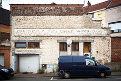 Ravalement  | Mortification urbaine CXXXI | Explore #100 13.08.2019 (CrËOS Photographie) Tags: tourcoing nord france commerce artisan paint decay façade ville shop peinture