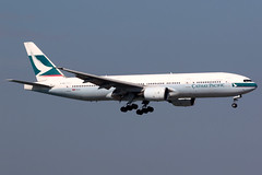 Cathay Pacific | Boeing 777-200 | B-HND | Hong Kong International (Dennis HKG) Tags: aircraft airplane airport plane planespotting oneworld canon 7d 100400 hongkong cheklapkok vhhh hkg cathay cathaypacific cpa cx boeing 777 777200 boeing777 boeing777200 bhnd