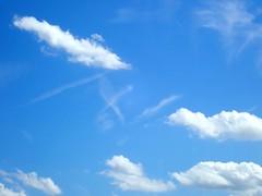 Z (dorotheazinsser) Tags: crazytuesday pareidolia z bluesky clouds buchstabe letter