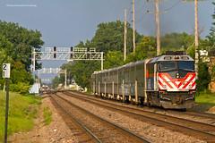 Metra BNSF West Line - Downers Grove (tim_1522) Tags: rail railroads railfanning il illinois burlingtonnorthernsantafe bnsf bn burlingtonnorthern chicago sub subdivision metra passenger commuter f40phm2 emd