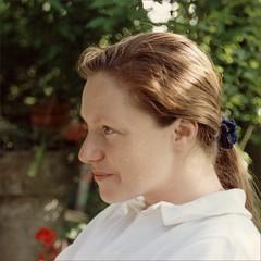 Isabelle au jardin (JJ_REY) Tags: portrait colors jardin garden film nikon fm2n micronikkor50mmf28 colmar alsace france