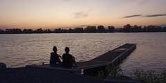 Mélissa et Isabelle (GEMLAFOTO) Tags: parcdumoulin dumoulinpark silhouettes river rivière ottawa rivièredesoutaouais clarencerockland dusk crépuscule michelgauthier nikond7100