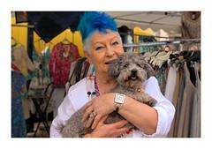 Ines et sa maitresse_0316 -1A (jeanmichelchristian) Tags: sélestat marché chien femme bijoux chevelure cheveux bleu portrait