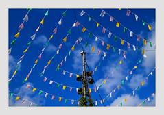 Banderoles_0325 -1A (jeanmichelchristian) Tags: banderoles sélestat ciel bleu drapeaux place décoration nuages