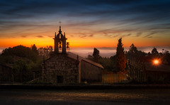 San Lourenzo da Granxa (Noel Feans) Tags: zeiss batis 18 sony a7 iii a7iii san lourenzo da granxa boqueixon pico sacro mencer sunrise fog neboa mist galiza galicia