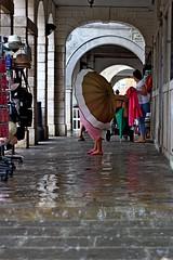 Pioggia a Chioggia (jossaman) Tags: pioggia chioggia laguna portici ombrelli acqua estate riflessi turisti