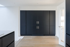 Architectural Farm _ Foxrock _ Dublin _ 2019 _ Kitchen (SteMurray) Tags: review foxrock house domestic ireland irish ste murray steie stemurray timber black corrugated facade light dusk interiors project architecture architectural