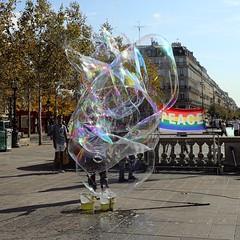 Peace (just.Luc) Tags: soap bubbles zeepbellen savon bulles france frankrijk frankreich francia frança parijs parigi paris îledefrance square vierkant carré quadrat