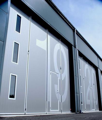 Folding doors, складчасті ворота для сто вантажних