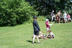 The boy with the hat (Landleven (Irma Lit)) Tags: somersettauntondukeofyorkschoolreuniongardensnationaltrustpropertyhouseswoodsummerfynecourtbridgewater exif:model=nikon1v1 exif:make=nikoncorporation exif:aperture=ƒ56 exif:isospeed=100 exif:lens=1nikkorvr1030mmf3556 geolocation exif:focallength=267mm camera:model=nikon1v1 camera:make=nikoncorporation tuin huis garden house nationaltrust fynecourt bridgewater somerset wandelen heuvels uk england buiten outside countryside landelijk landleven