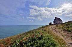 Sentier côtier  -  Bretagne (jean-paul Falempin) Tags: côte sentier mer baie cap capsizun rando nuages breizh bretagne