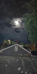 Last night roof #802life #burlingtonvt #vermont #sky #moon #nightshoots (LunchboxLarry) Tags: sky burlingtonvt moon nightshoots vermont 802life